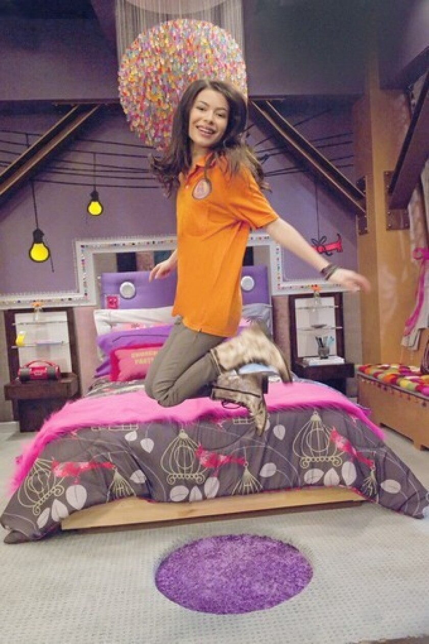 What To Know Before You Watch The New Icarly Reboot Los Angeles Times
