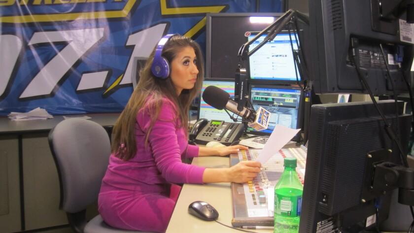 Belinda Hurtado, conocida como Bely, es una de las locutoras que pertenecía a la estación Súper Estrella 107.1 FM.