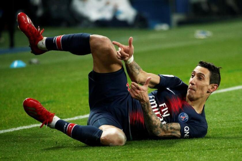 El extremo del PSG Angel Di Maria celebra un gol, el 3-1, ante el OM en el Parque de los Príncipes de París, Francia. EFE/EPA