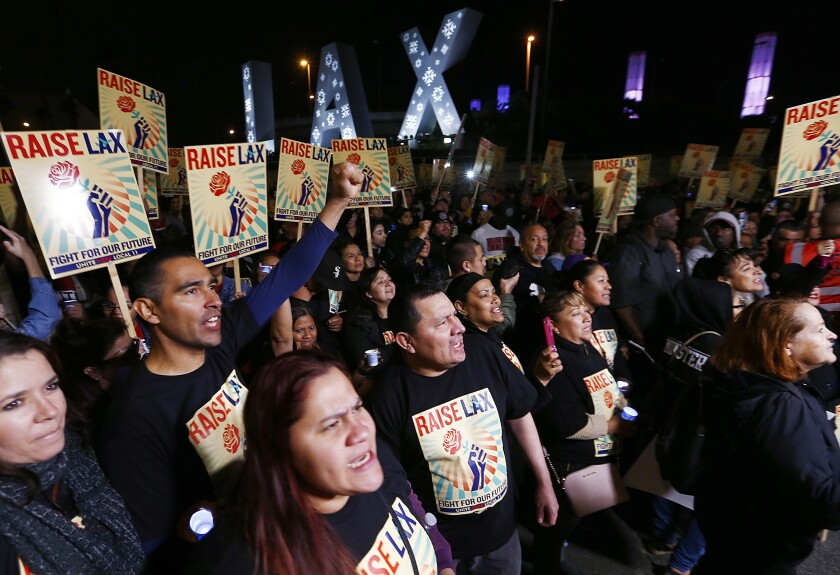 474044_la-me-LAX-protest-Sky-Chef003_LS.jpg