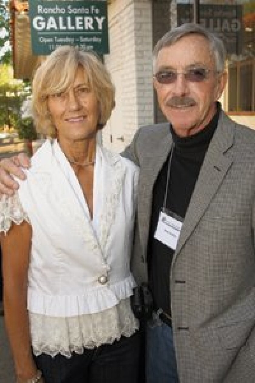 Dale Steffen (right) and Toni Williams at an RSF Art Guild event.