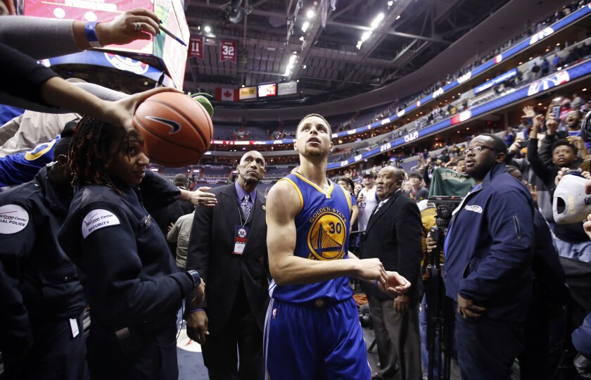 NBA: Stephen Curry scores 51 points, misses three-point record by one