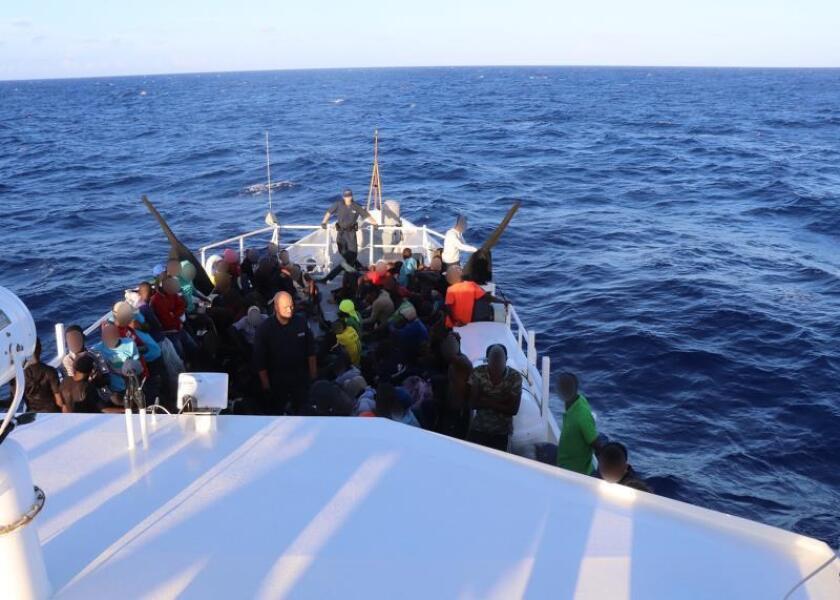 Interceptan 146 inmigrantes haitianos al norte de la isla Tortuga
