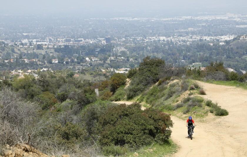 L.A. walk to Marvin Braude Mulholland Gateway Park