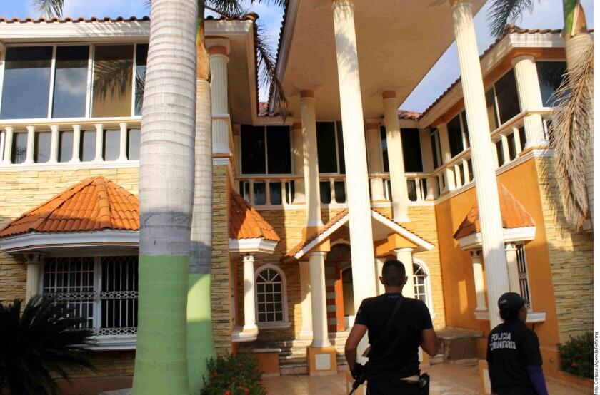 Entre 2014 y lo que va del año las fuerzas federales y policías ministeriales de Michoacán han asegurado 167 propiedades que estaban bajo vigilancia de ese grupo criminal y que obtuvieron de de sus víctimas de extorsión, secuestros o cobro por derecho de piso.
