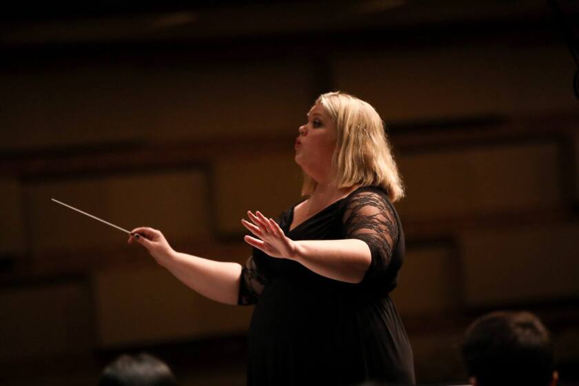 Amy Villanova conducting