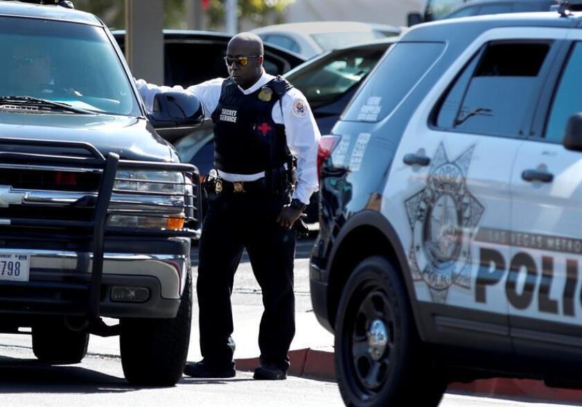La Policía de la ciudad de Miami ha detenido a un hombre sospechoso de un tiroteo ocurrido esta madrugada en el centro urbano que dejó una persona muerta y otra herida, informaron hoy medios locales. EFE/Archivo