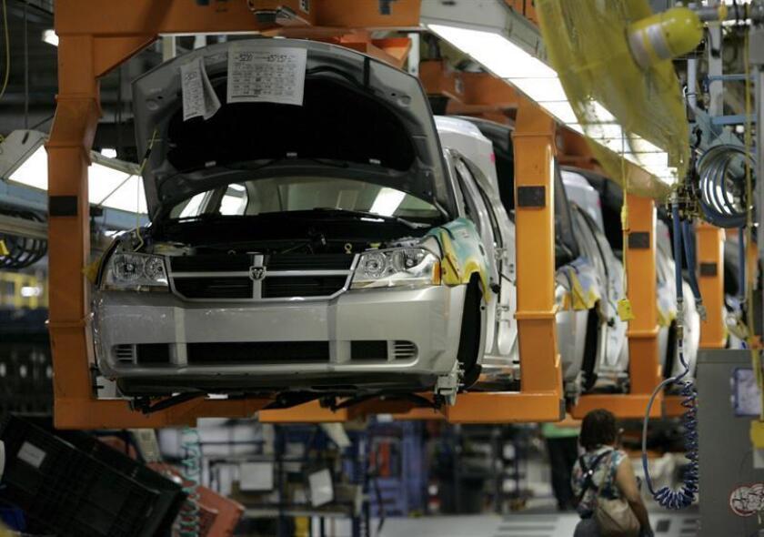 """El sindicato del sector del automóvil United Auto Workers (UAW) afirmó hoy que el nuevo tratado comercial con Canadá y México no es """"lo suficientemente fuerte"""" para proteger a los trabajadores. EFE/Archivo"""