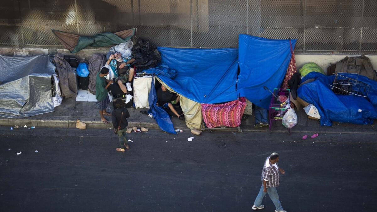 Op-Ed: Los Angeles should look to New York for answers to its homeless problem