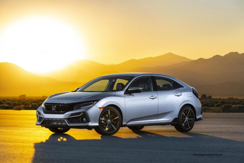 2020 Honda Civic Hatchback Sport Touring 001.jpg