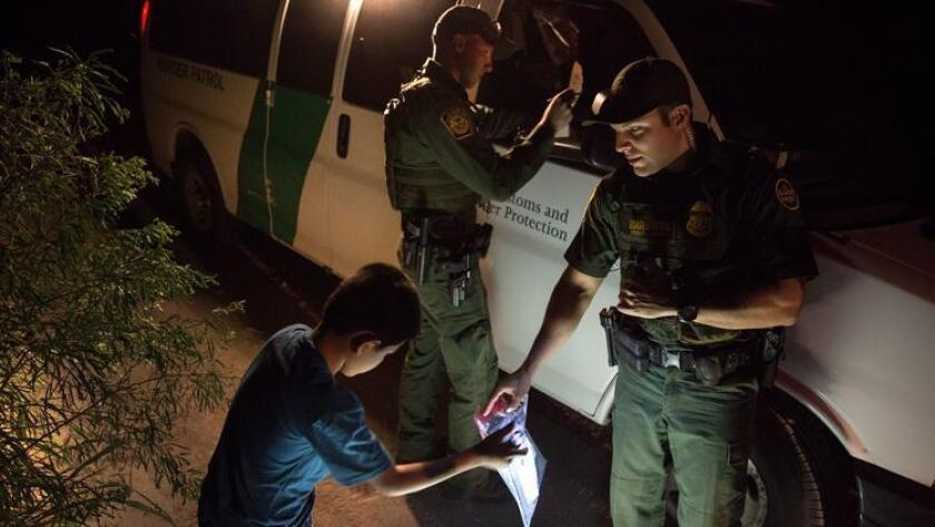 Border Patrol losing agents faster than it can hire new ones - Los