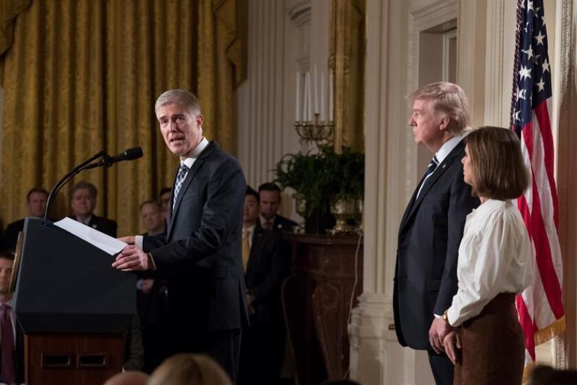 El nominado a la Suprema Corte, Neil Gorsuch, habla durante el anuncio por el presidente de los Estados Unidos, Donald Trump. EFE/Archivo