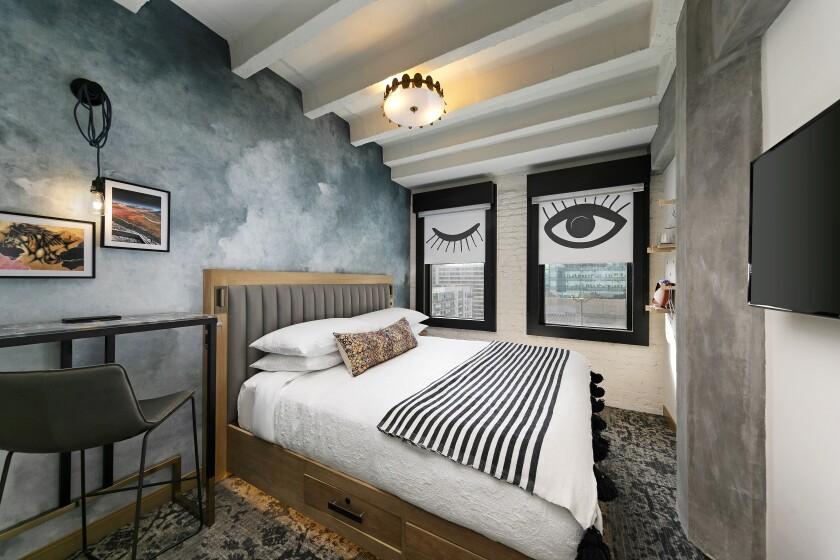 A hotel room at the Wayfarer DTLA.
