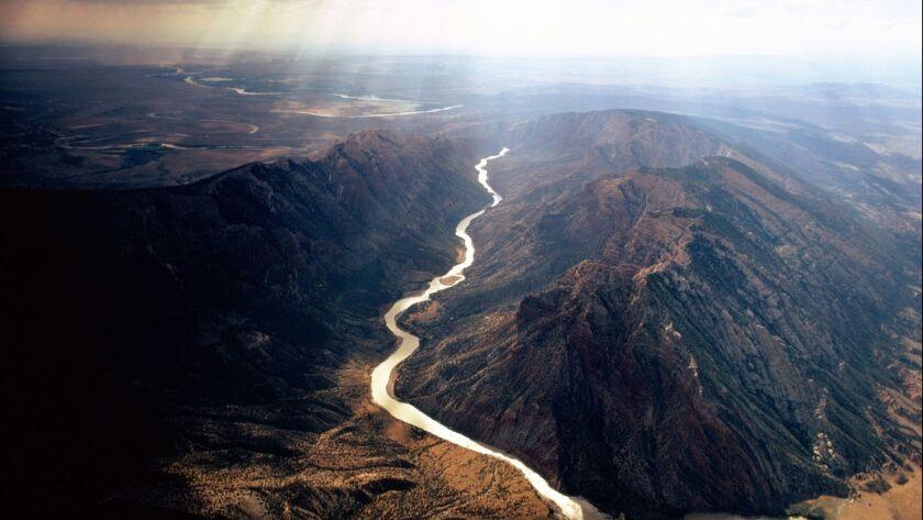 USA, Colorado, Dinosaur National Monument, view over Green River