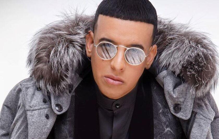 El reggaetonero boricua Daddy Yankee recrea unq pieza musical del pasado para darle vida a un nuevo hit descomunal.