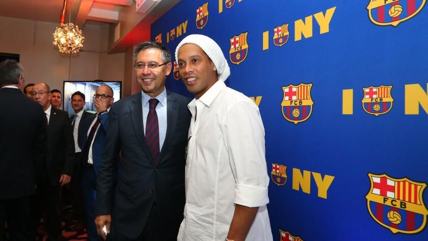 Josep Maria Bartomeu, Ronaldinho