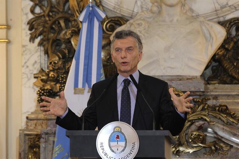 El presidente de Argentina, Mauricio Macri, fue registrado este lunes, durante una conferencia de prensa en la Casa Rosada, en Buenos Aires (Argentina). EFE