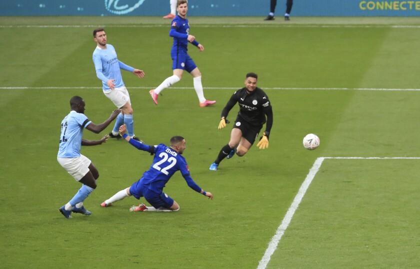 El volante de Chelsea anota un gol vontra Manchester City en semifinales de la Copa FA el sábado