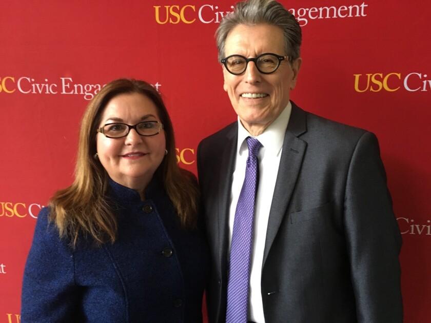 María Aranda y William Vega, profesores de la Universidad del Sur de California (USC).