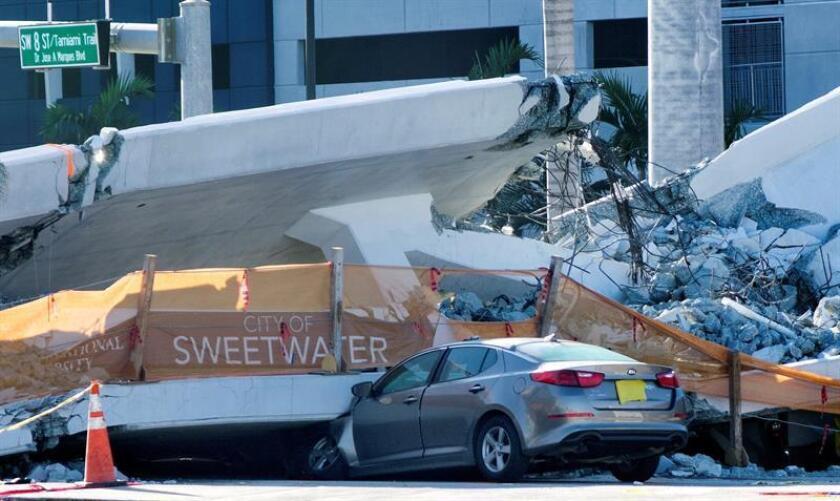 Los socorristas extrajeron el sexto y último cuerpo sin vida de entre los escombros del puente peatonal derrumbado el pasado jueves en la calle Ocho de Miami y señalaron que no prevén más víctima mortales por el suceso, informan hoy medios locales. EFE/Archivo