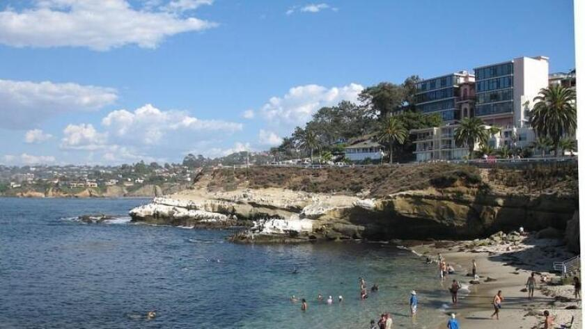 sddsd-la_jolla_cove_from_the_south-20160819