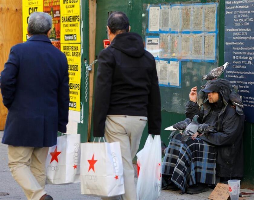 """California enfrenta con el 19 % el mayor índice de pobreza en el país, con altos impuestos y bajos salarios para cubrir elevados costos de vivienda y transporte, pese a ser considerada la """"quinta economía del mundo"""". EFE/Archivo"""