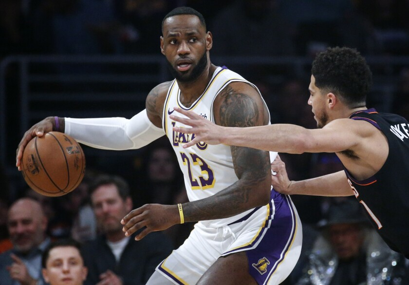 Ho Wun Lakers Vs Cavaliers >> Lakers Dominate Before Cold Shooting Finish In Win Over Suns