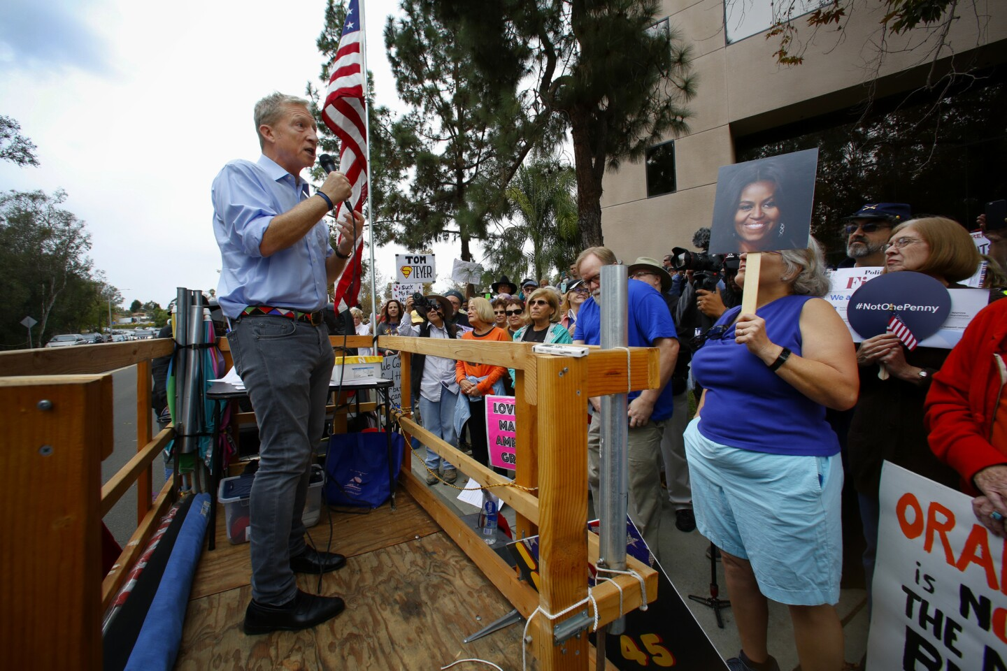 Weekly protest at Darrell Issa's Vista office