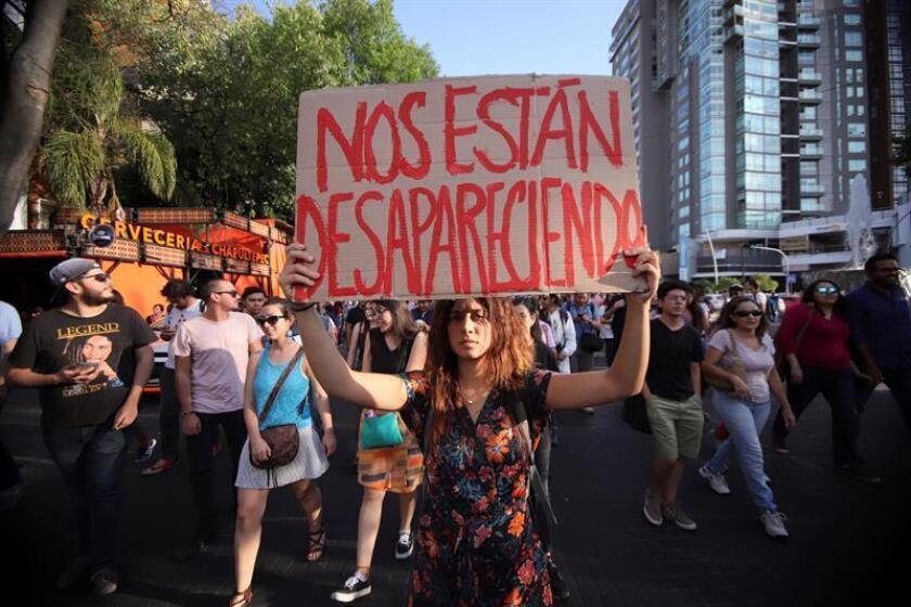 Nueve mujeres son asesinadas cada día en México y seis de cada diez han padecido violencia, denunció hoy ONU Mujeres, que exigió garantizar los derechos humanos de mujeres y niñas en el país latinoamericano. EFE/EPA/Archivo