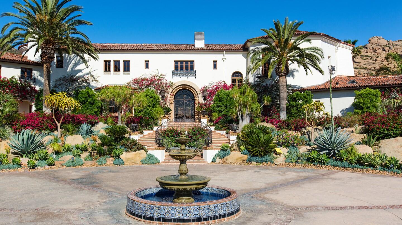 Hot Property | Hummingbird Nest Ranch