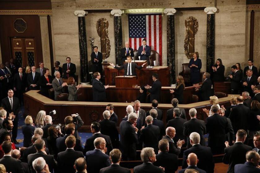 El presidente galo, Emmanuel Macron (c), ofrece un discurso ante el Congreso de los Estados Unidos en Washington DC (Estados Unidos) hoy, 25 de abril de 2018. EFE