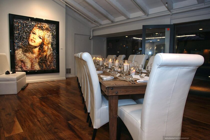 Collectors dined family-style with the bustle of Prospect Street as their backdrop at The La Jolla Gallery.