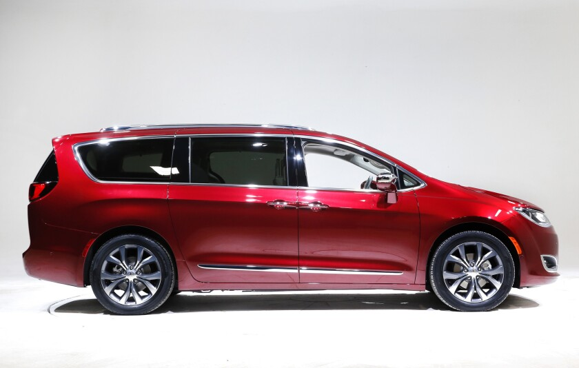 Google plans to work directly with Fiat Chrysler on installing self-driving sensors and computers in 100 Chrysler Pacifica minivans.