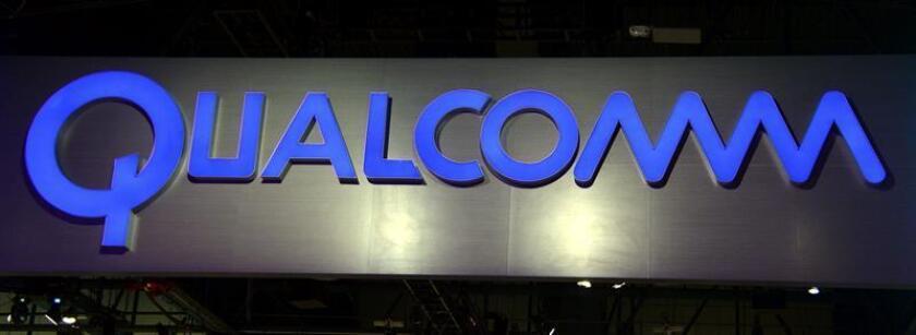 Fotografía de archivo que muestra el logotipo de Qualcomm en el stand de Consumer Electronics Show (CES) en Las Vegas (Estados Unidos). EFE/Archivo