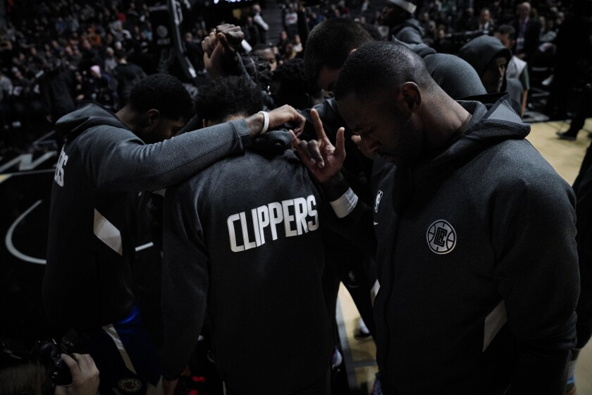 Clippers hope loss to Spurs renews push to reinforce team chemistry