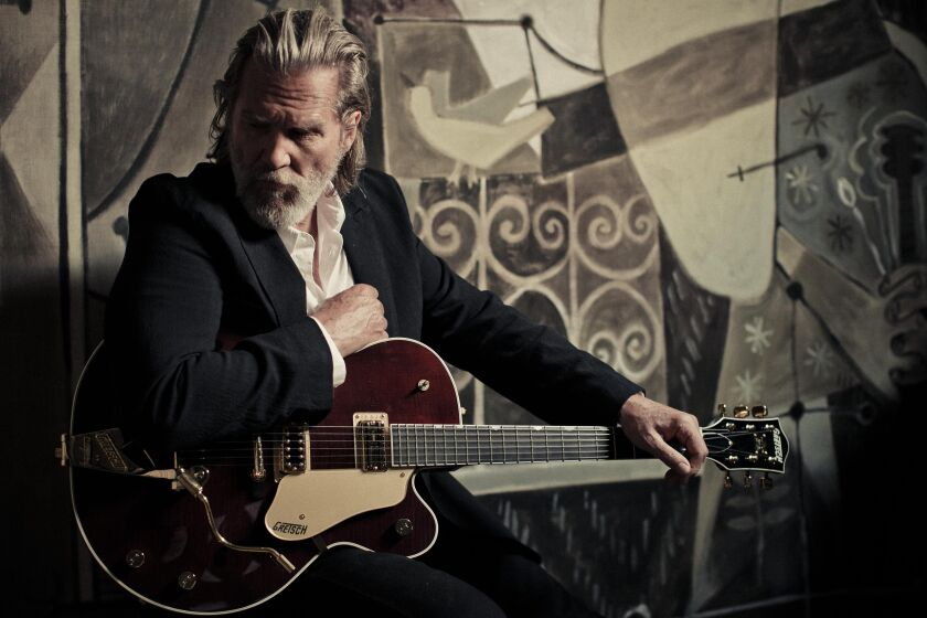 Jeff Bridges_by_Danny_Clinch_2.jpg