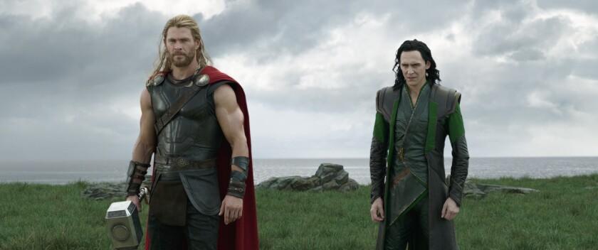Thor (Chris Hemsworth) y Loki (Tom Hiddleston) vuelven a unir fuerzas en esta nueva cinta de Marvel.