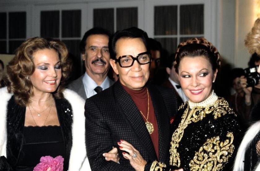 """El fallecido actor mexicano Mario Moreno """"Cantinflas"""" nació hoy hace 107 años y Google le rindió tributo con un """"doodle"""" de varios de sus recordados personajes. EFE/Archivo"""