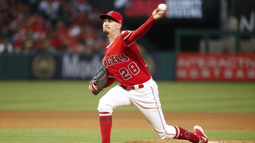 ANAHEIM, CALIF. -- SATURDAY, MAY 19, 2018: Los Angeles Angels starting pitcher Andrew Heaney (28) de