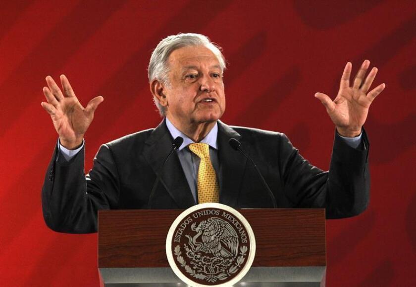 Fotografía de archivo del 8 de marzo de 2019, del presidente de México, Andrés Manuel López Obrador, durante su rueda de prensa matutina en Palacio Nacional en Ciudad de México (México). EFE/Archivo