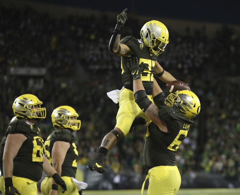 APTOPIX California Oregon football