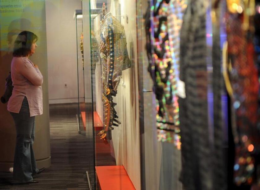 El Museo de los Grammy de Los Ángeles abrirá esta primavera una nueva sede en Newark, en el estado de Nueva Jersey, en homenaje a artistas icónicos de esa región como Frank Sinatra y Whitney Houston, según anunció hoy la institución. EFE/ARCHIVO