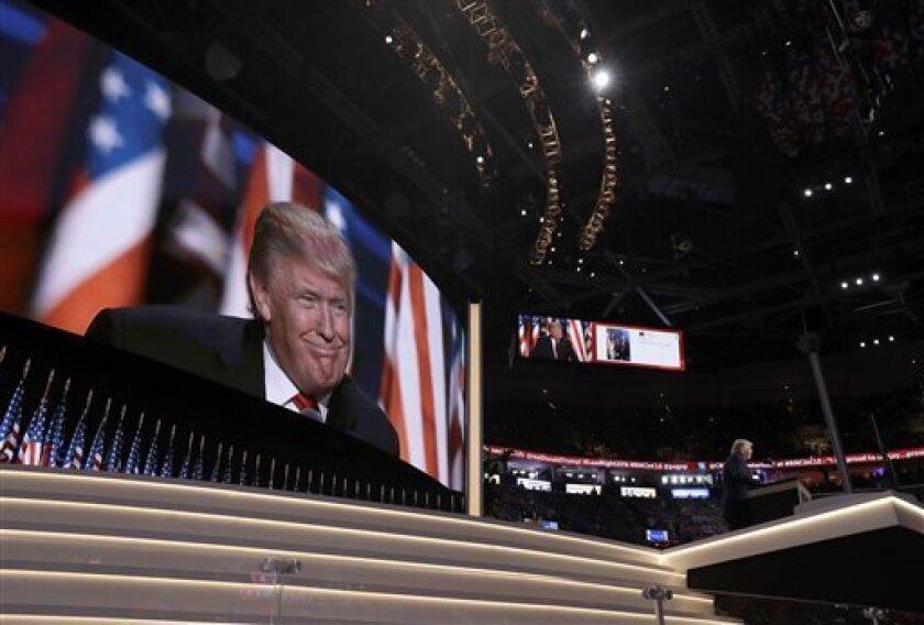 Donald Trump durante su discurso en la convención republicana en Cleveland el jueves 21 de julio del 2016. (AP Foto/Evan Vucci)