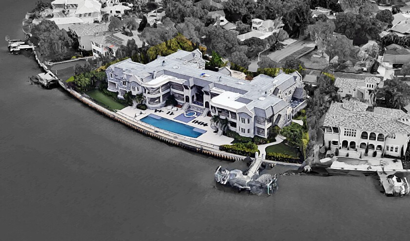 New Buccaneers quarterback Tom Brady has reportedly moved into a massive Tampa, Fla., mansion owned by former New York Yankees star Derek Jeter. The residence sits on about half an acre overlooking the water.