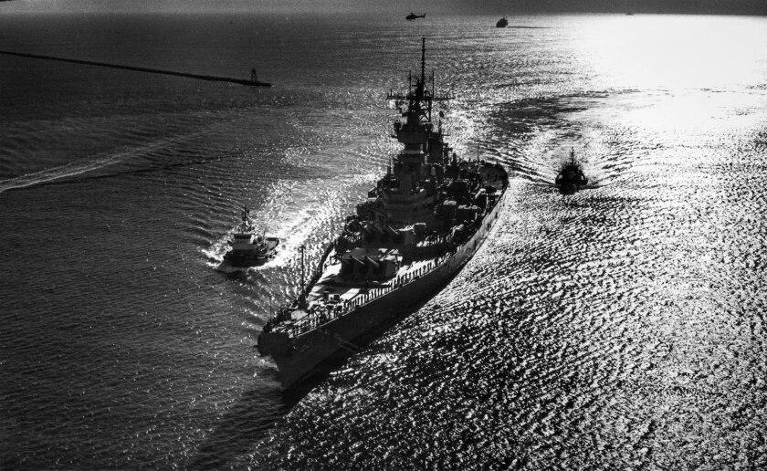 Jan. 19, 1988: The battleship USS MIssouri returns to Long Beach harbor after duty in the Persian Gu