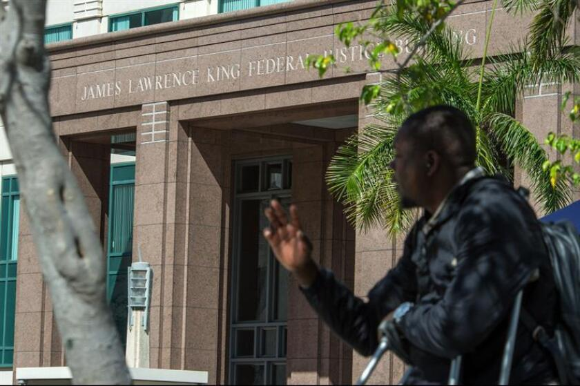 Fotografía de la fachada del edificio federal de justicia James Lawrence King en Miami, Florida, (Estados Unidos) donde se encuentra detenido el expresidente panameño Ricardo Martinelli. EFE/Archivo
