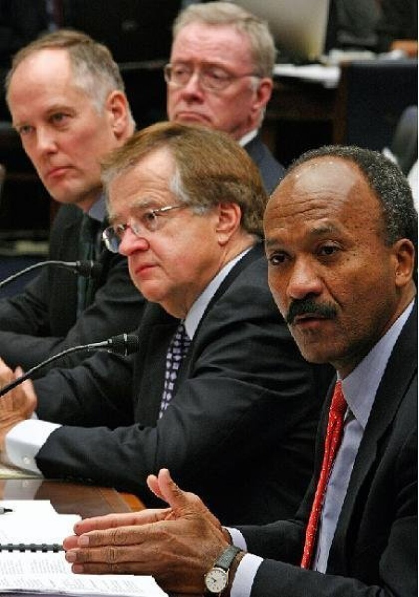 Former Fannie Mae CEO Franklin Raines (right) testified as other ex-executives from Fannie Mae and Freddie Mac listened yesterday at a House hearing on the mortgage giants' collapse. Getty Images
