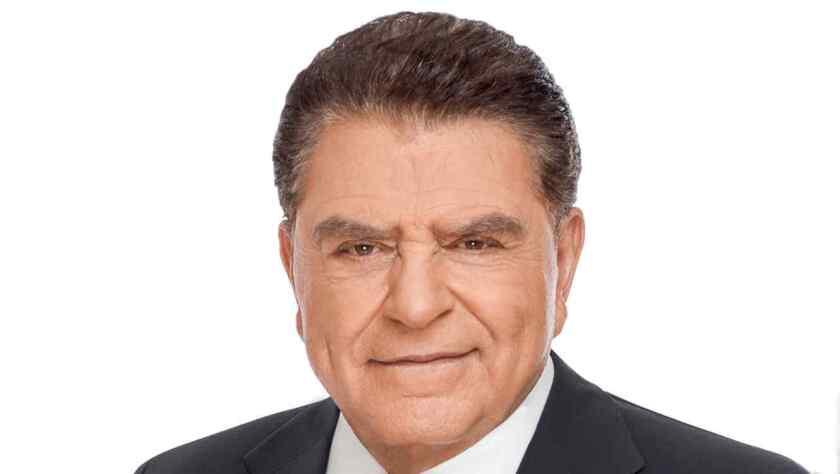 A Don Francisco su nueva casa, la cadena Telemundo, no le permite dar opiniones políticas, pero exhortó a la comunidad latina en Estados Unidos a salir a votar en la elección presidencial de noviembre.
