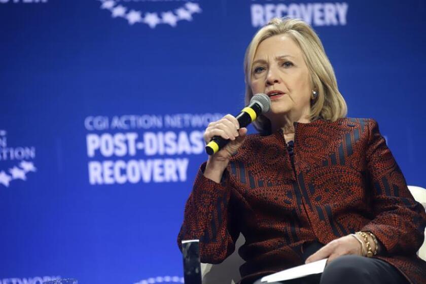 La exsecretaria de Estado estadounidense, Hillary Clinton, habla durante la última jornada de la reunión de la Iniciativa Global Clinton (CGI, en inglés) el miércoles 30 de enero de 2019 en el Centro de Convenciones en San Juan (Puerto Rico). EFE/Archivo