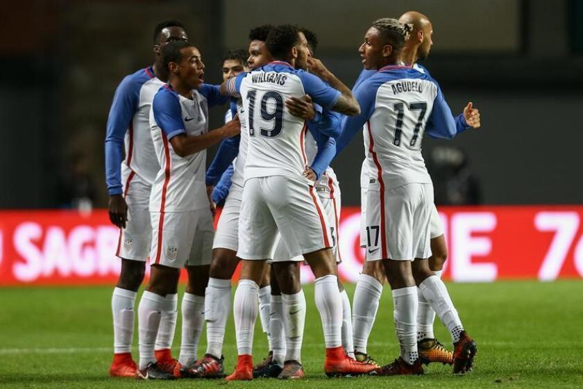 En la imagen, jugadores de EE.UU. celebran un gol. EFE/Archivo